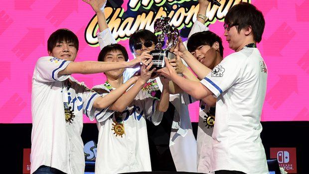La festa dei GG Boyz, team giapponese che ha dominato il torneo