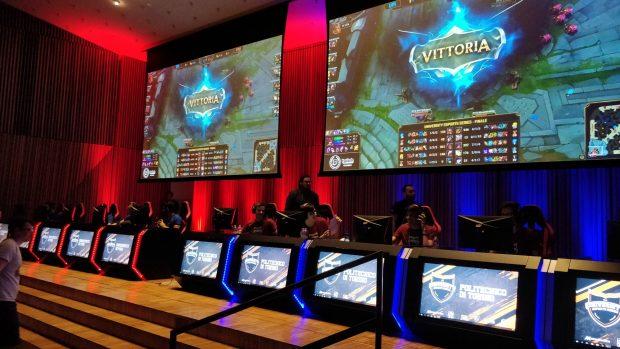 L'Aula Magna della Statale di Milano per un giorno è diventata un'arena eSports.