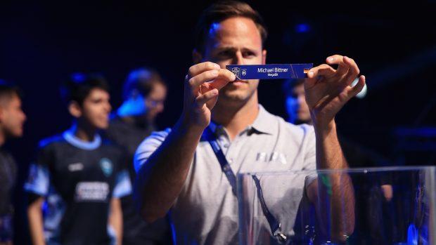 Il sorteggio dei giocatori sottoposti ai controlli antidoping: in questo caso il tedesco Michael Bittner.