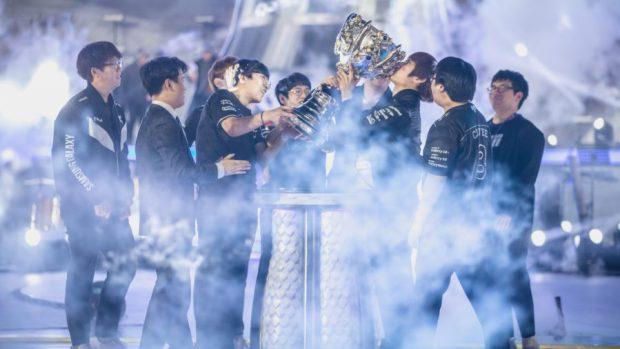 L'anno scorso, la formazione coreana dei Samsung Galaxy tolse la corona ai pluricampioni SK Telecom T1, in una finale spettacolare. Riusciranno a difendere il titolo?