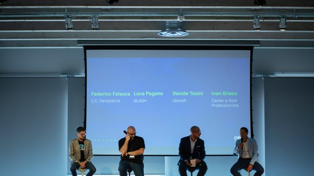 Luca pagano, CEO di QLASH, all'estrema sinistra. A seguire da sinistra Davide Tosini di Ubisoft, Ivan Greco e Federico Falasca.