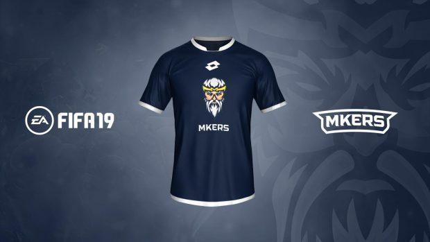 La maglietta con il logo ufficiale dei Mkers in FIFA 19 Ultimate Team.