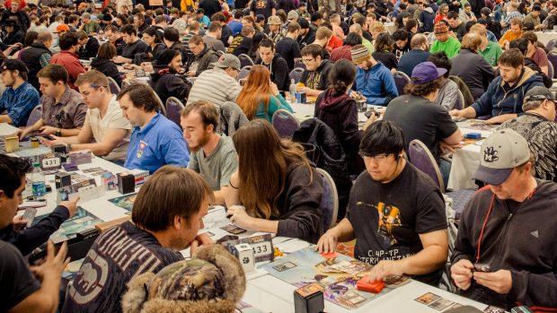 I tornei di Magic sono similissimi ai tornei Esport solo molto più affollati.