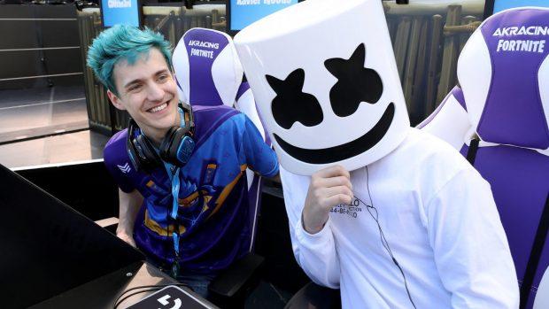 Marshmello in compagnia di Ninja al Fortnite Celebrity Pro Am all'E3 2018.