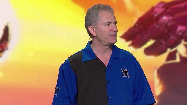 Mike Morhaime, ex CEO e cofondatore di Blizzard, immortalato mentre annuncia il suo passo indietro.