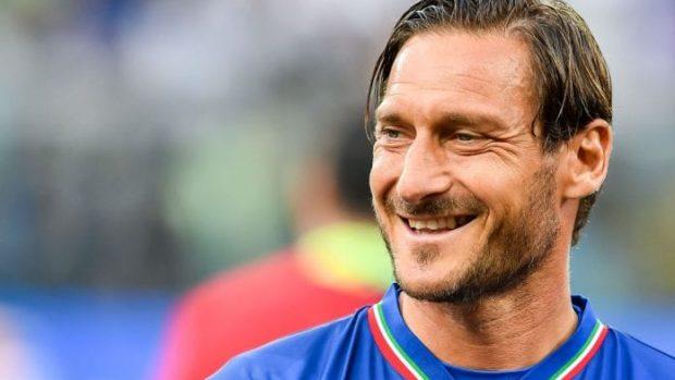 """Totti si è detto """"entusiasta"""" di accettare la proposta della Virtual Pro League."""