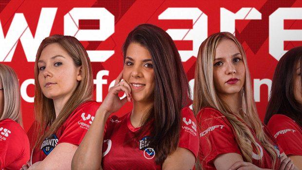 La formazione femminile dei Vodafone Giants al completo.