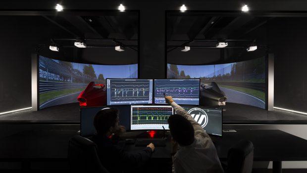 Schermi, cockpit impianti idraulici servono a poco se alla console non si trova un pilota esperto capace di leggere le telemetrie e gli errori. Anche di un pilota virtuale.