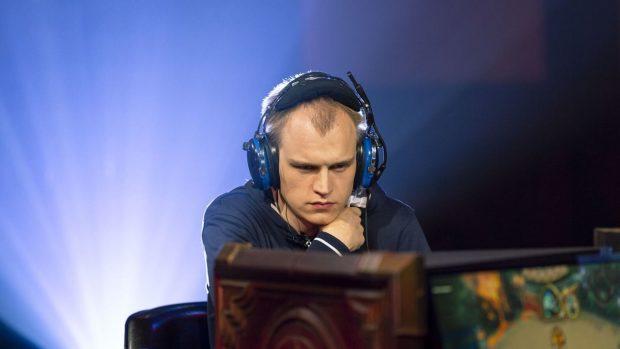 Raphael Peltzer, nome d'arte Bunnyhoppor, è stato un vero colpo di mercato per i Samsung Morning Stars. Il giocatore tedesco, che attualmente vive in Norvegia, ha giocato anche per SK Gaming e i Virtus.Pro.