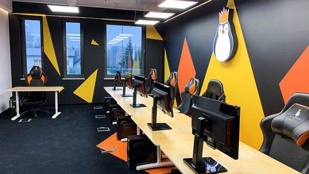 Il Kinguin Esports Performance Center include quattro camere dedicate alle postazioni da gioco.