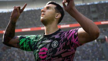 FIFA 22 vs eFootball 2022
